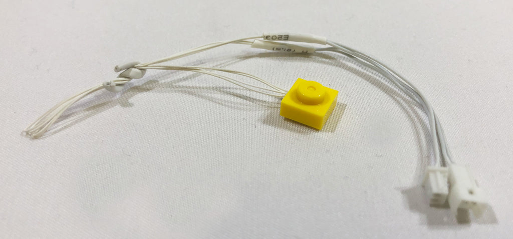 1x1-LED-Plate-Yellow-LIGHT-LINX-Create-Your-Own-LED-String-works-with-LEGO-bricks-by-Brick-Loot