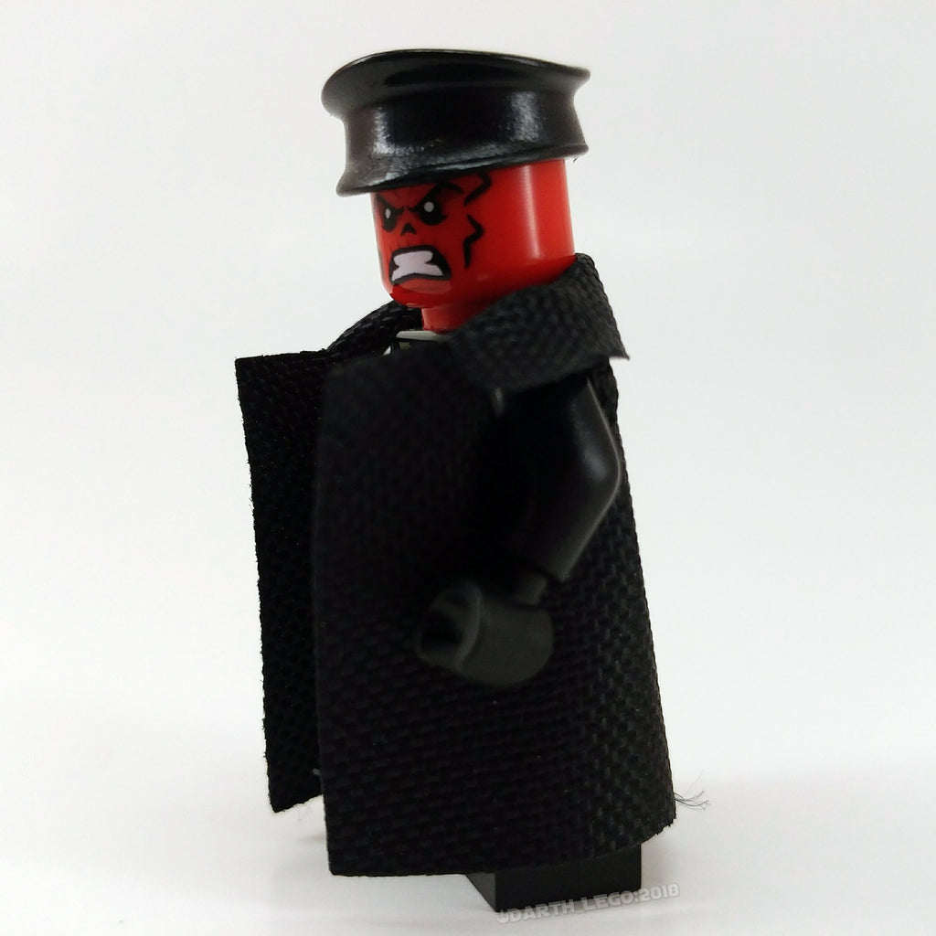 Brick Loot Cape Pack - Black Trench Coat / Cape Example - Minifigure not included (Brick Loot Cape Pack with 35 Fabric Capes and Accessories)