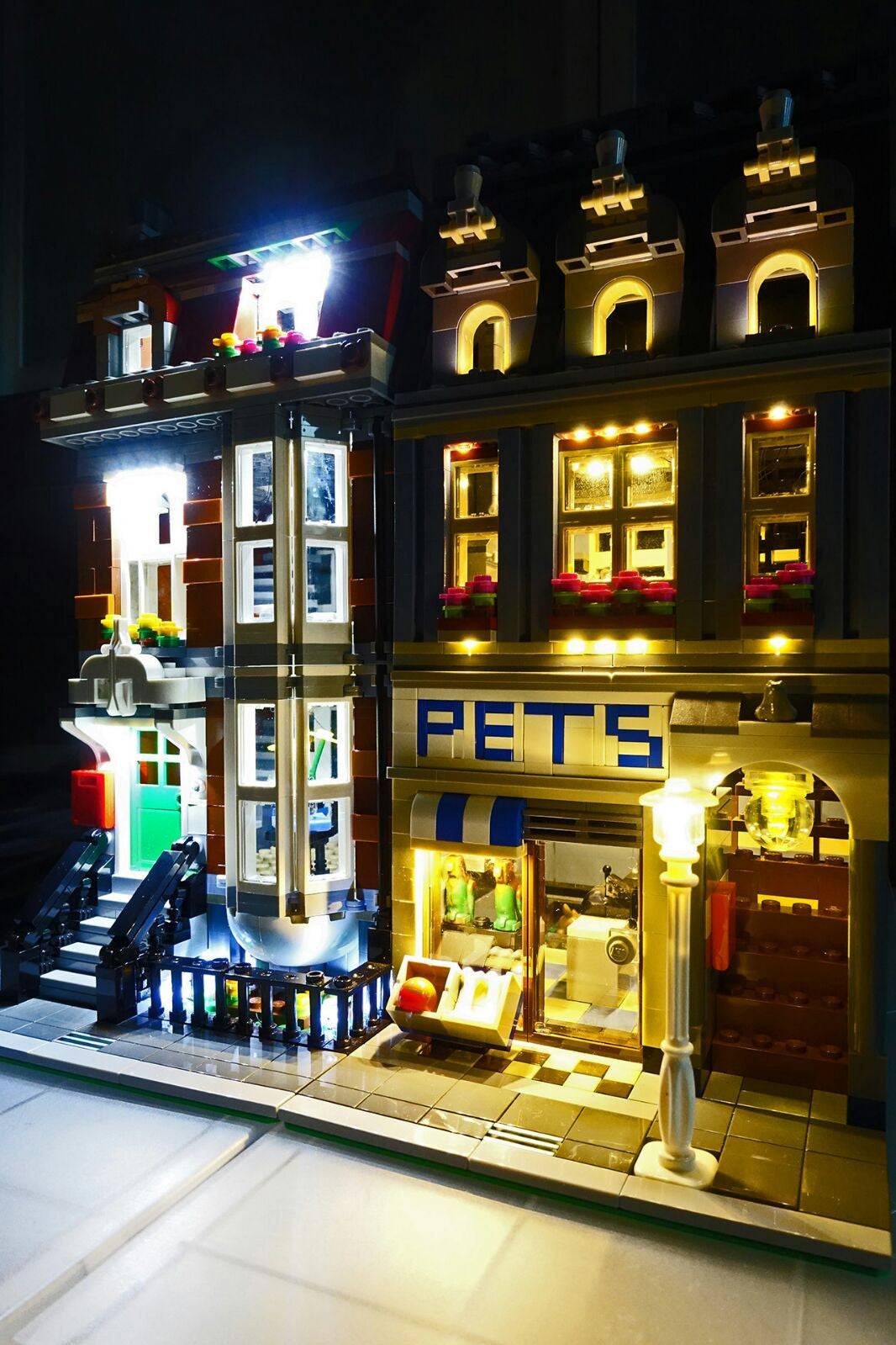 LED Lighting kit for LEGO® Pet Shop 10218 by Brick Loot