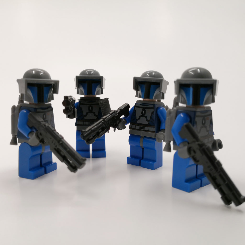 Minifigure Weapons - GOLD MEGA Pack - 90 Weapons and Accessories