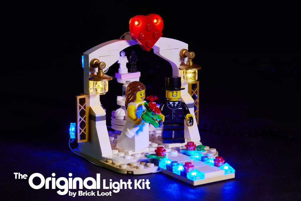 LEGO Wedding Favor 2018 set 40197 with the custom Brick Loot Light Kit installed.