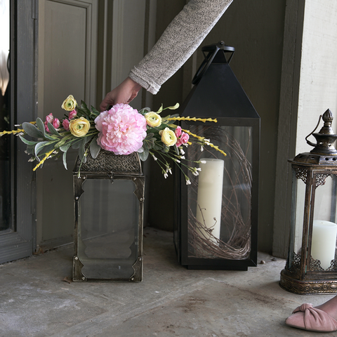 Creating a floral topper to decorate your porch for spring