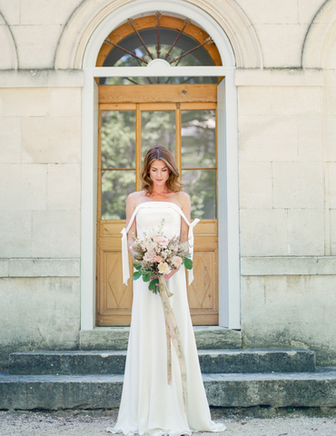 bride with bouquet, destination wedding in provence, France.