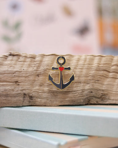 (New) Refuse to Sink Enamel Pin
