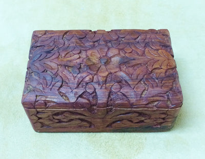 "Carved Wood Box - Daisy Center, Carved Sides 6""x 4""x 2.5"""