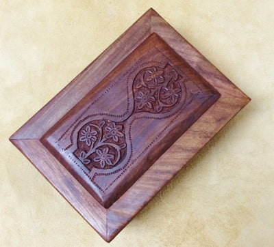 "Carved Wood Box - Daisy Hourglass 6""x 4""x 2.25"""