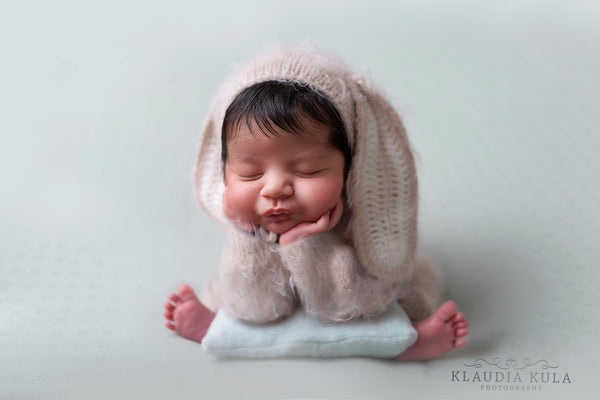 newborn super soft fuzzy romper set 3 colours, 2 hats!