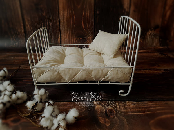 white newborn metal bed set