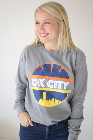 OKC SPIRIT: OK City Basketball & Skyline - Comfort Longsleeve