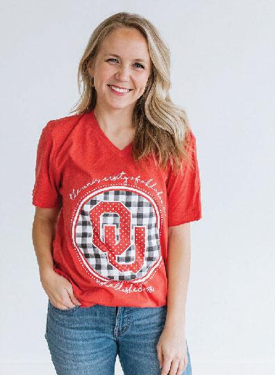 UNIV. OF OK 2019: Buffalo Check Interlocking Logo - Vneck