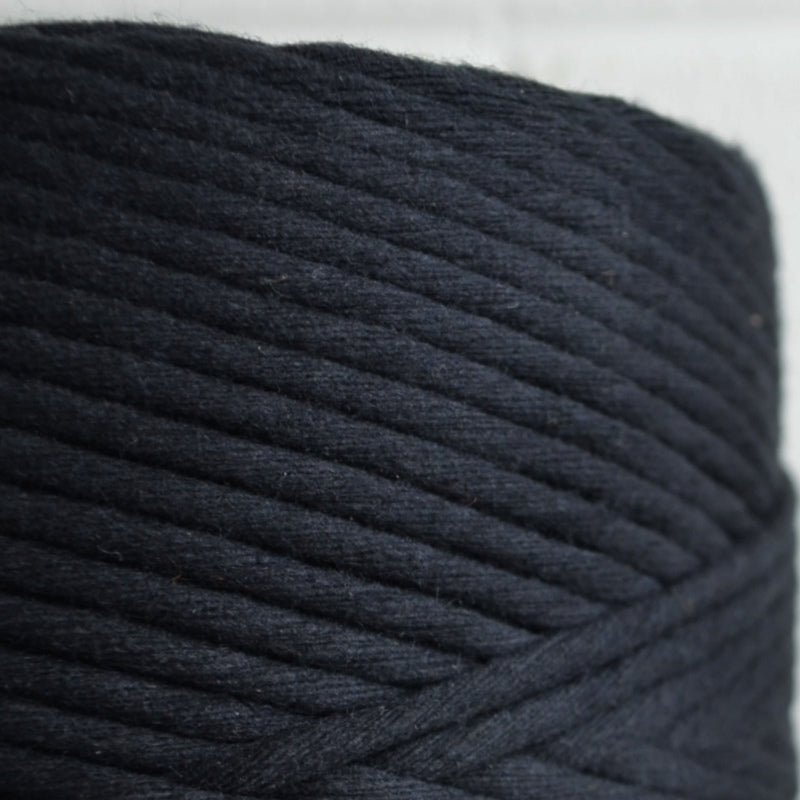 4mm - black 200m 1kg recycled cotton