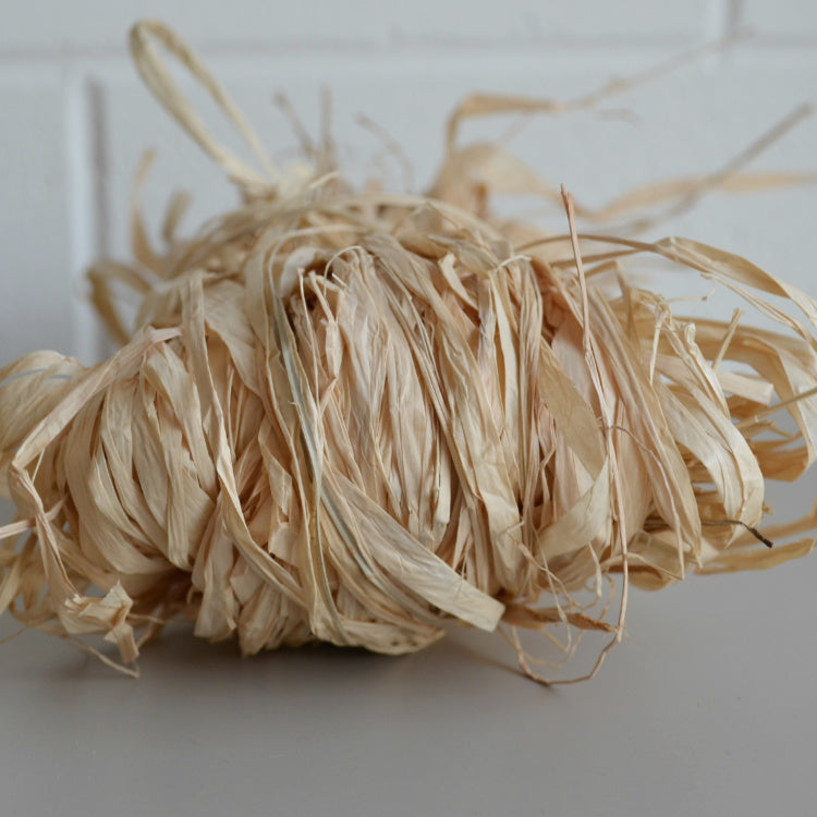 Raffia premium Madagascan: 50g Natural - string-harvest