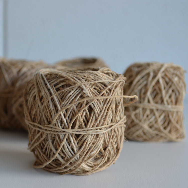 Hand-spun hemp twine: 20g Natural