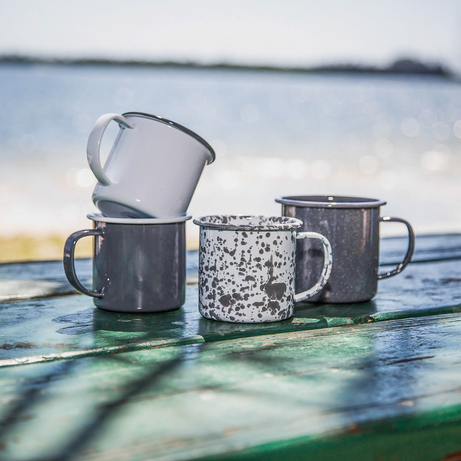coffee mugs & enamelware camping mugs