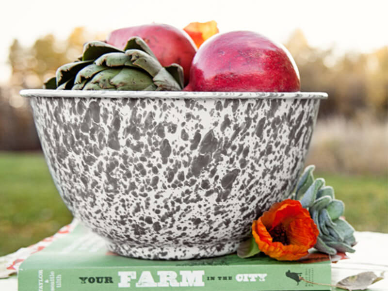 Enamelware Footed Serving Bowl, 5-Quart, Splatterware Collection