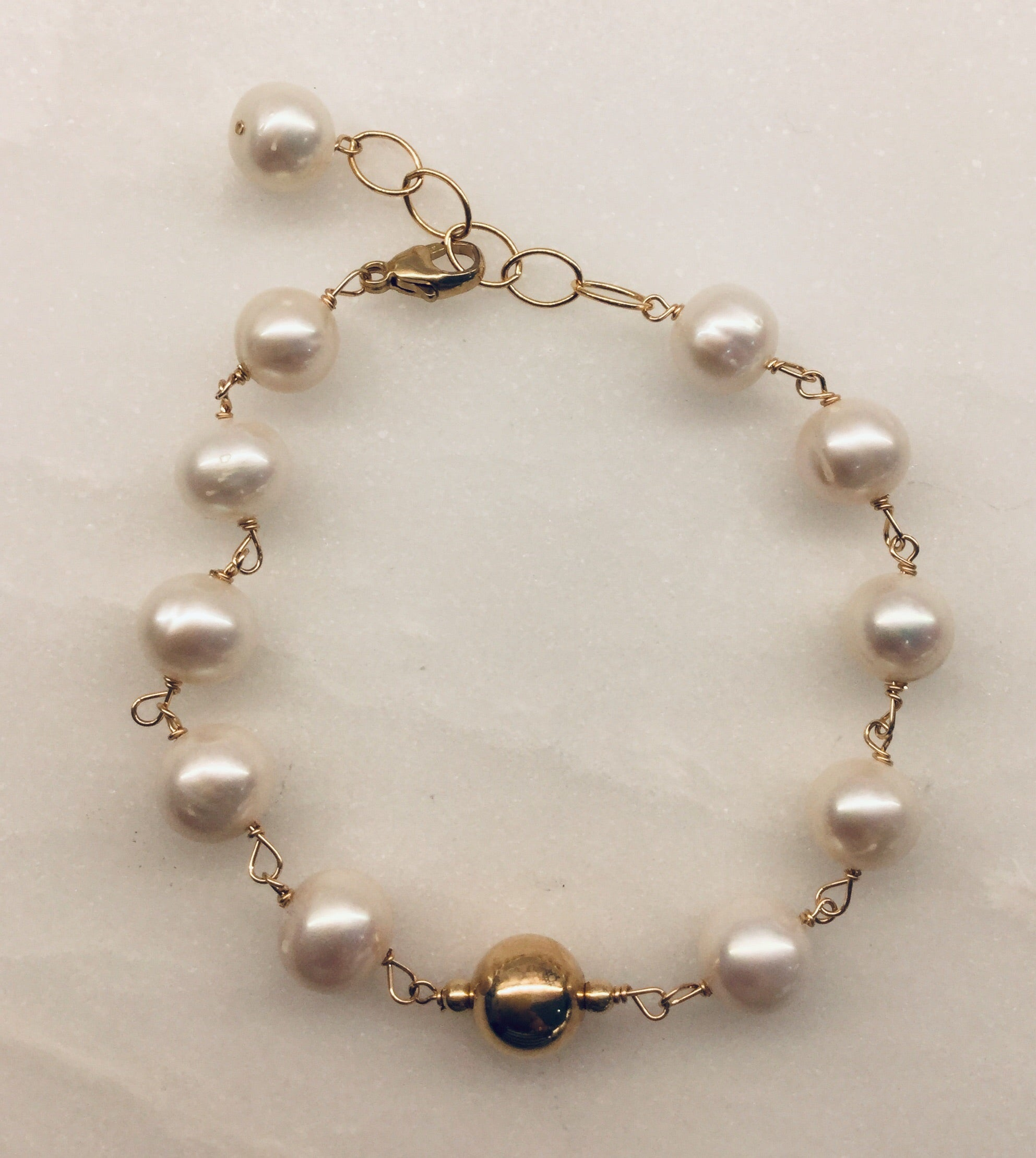 Gold Bracelet with  fresh water Pearl