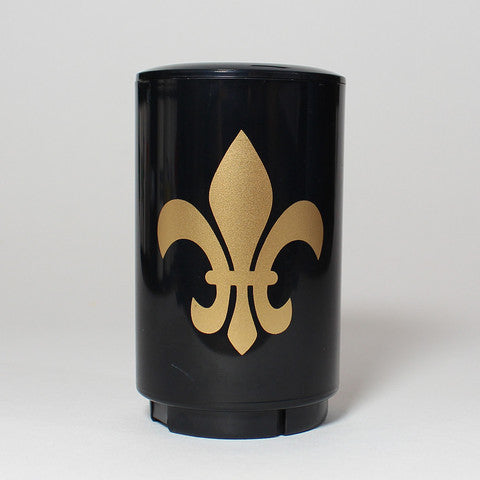 The easy-to-use, automatic Fleur De Lis Bottle Popper effortlessly pops off and captures the cap of your favorite beer or bottled beverage in one swift, push-down motion - and as a fully portable device, its perfect for tailgates, barbecues, home bars and more.