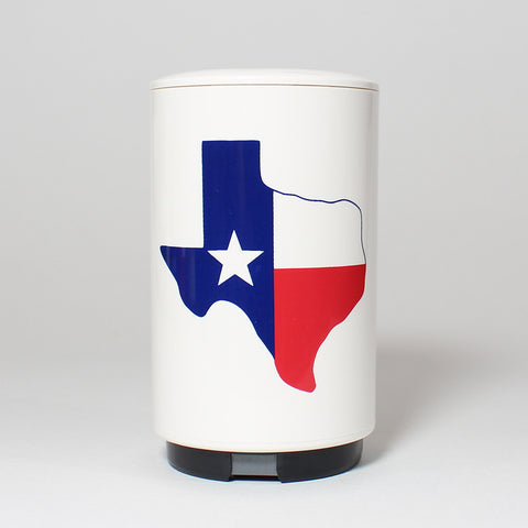 The easy-to-use, automatic Texas Flag Bottle Popper effortlessly pops off and captures the cap of your favorite beer or bottled beverage in one swift, push-down motion - and as a fully portable device, its perfect for tailgates, barbecues, home bars and more.
