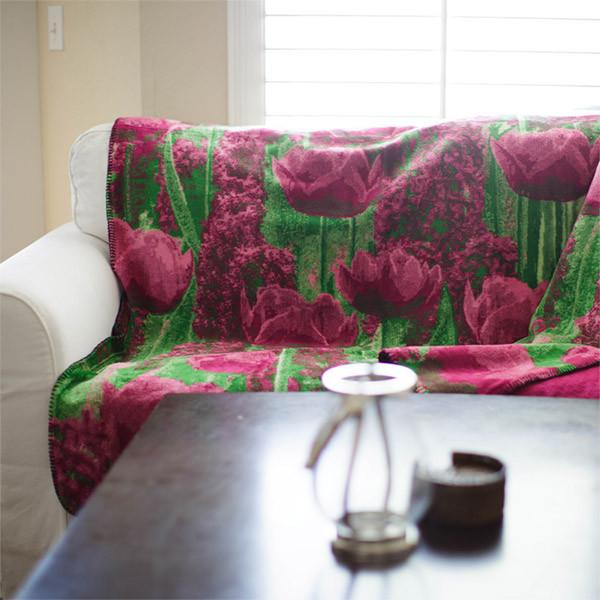 Denali Microplush™ Throw - Tulips