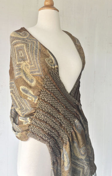Woven Reversible Ruffled Scarf/Shawl - Sand Pepples