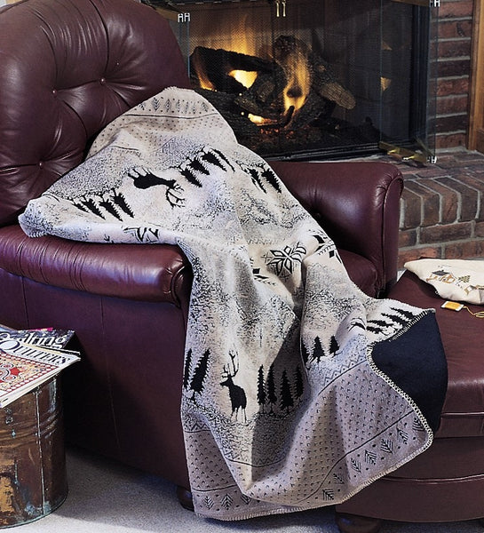 Denali Microplush™ Rustic Lodge Throw - Black Forest Friends -   - 5