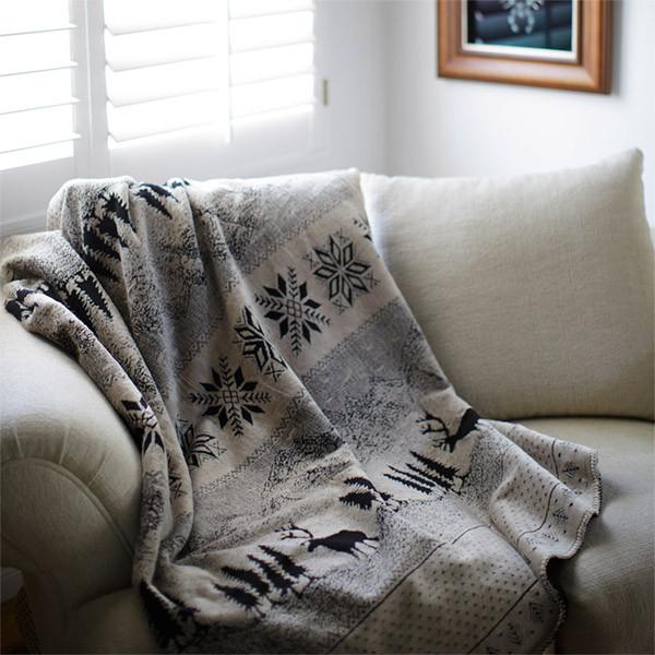 Denali Microplush™ Rustic Lodge Throw - Black Forest Friends