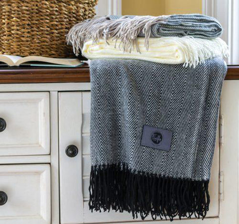 Black Herringbone Throw Blanket|Decorating Options