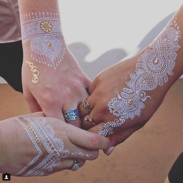 Glory of Henna 'White' by Deepali Deshpande