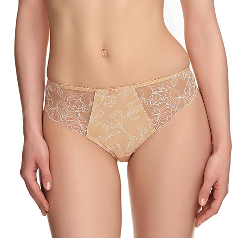 Estelle Brief in Sand