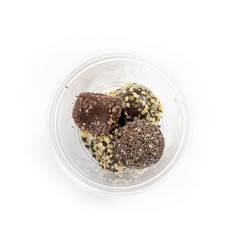 Organic ingredients: cashew, coconut oil, cacao powder, vanilla, agave, cinnamon  Toppings: hemp seed, cacao nibs, chia seed.