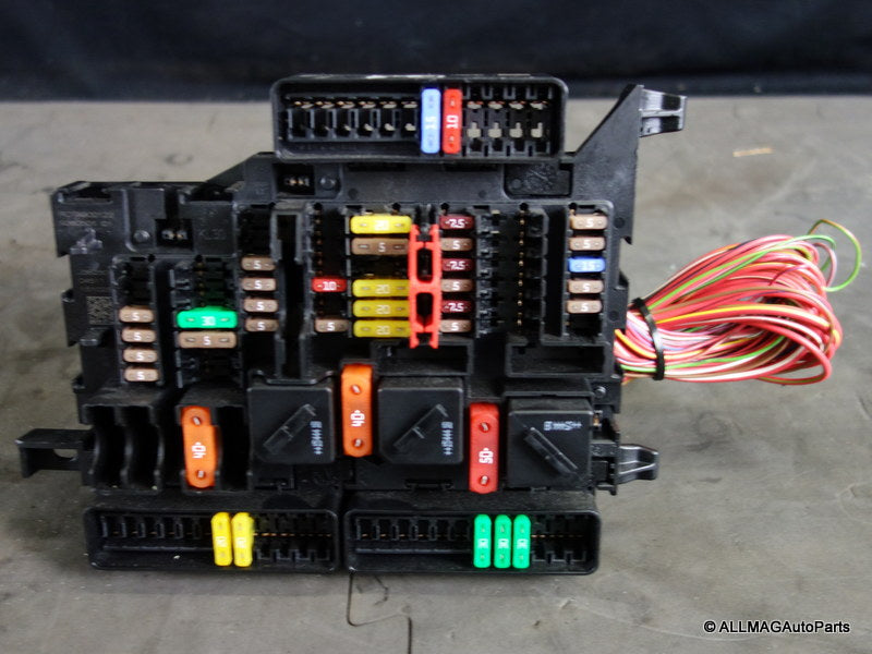 61149360501 14-19 Mini Cooper Power Distribution Interior Fuse Box Panel F5x F6x 129