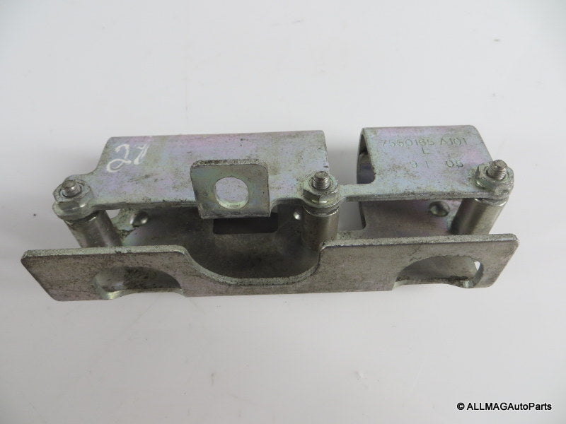 13537550169 02-08 Mini Cooper Fuel Injector Rail Bracket R50 R52