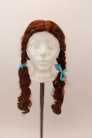 High quality Dorothy wig (long curls), to accompany Dorothy costume (Can be rented separately). Front