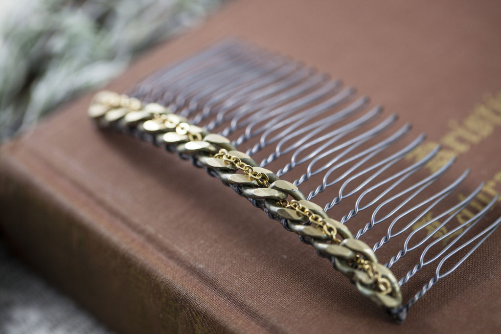 """Chain Reaction"" Hair Comb"