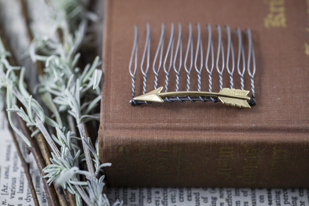 """Tiny Arrow"" Hair Comb"
