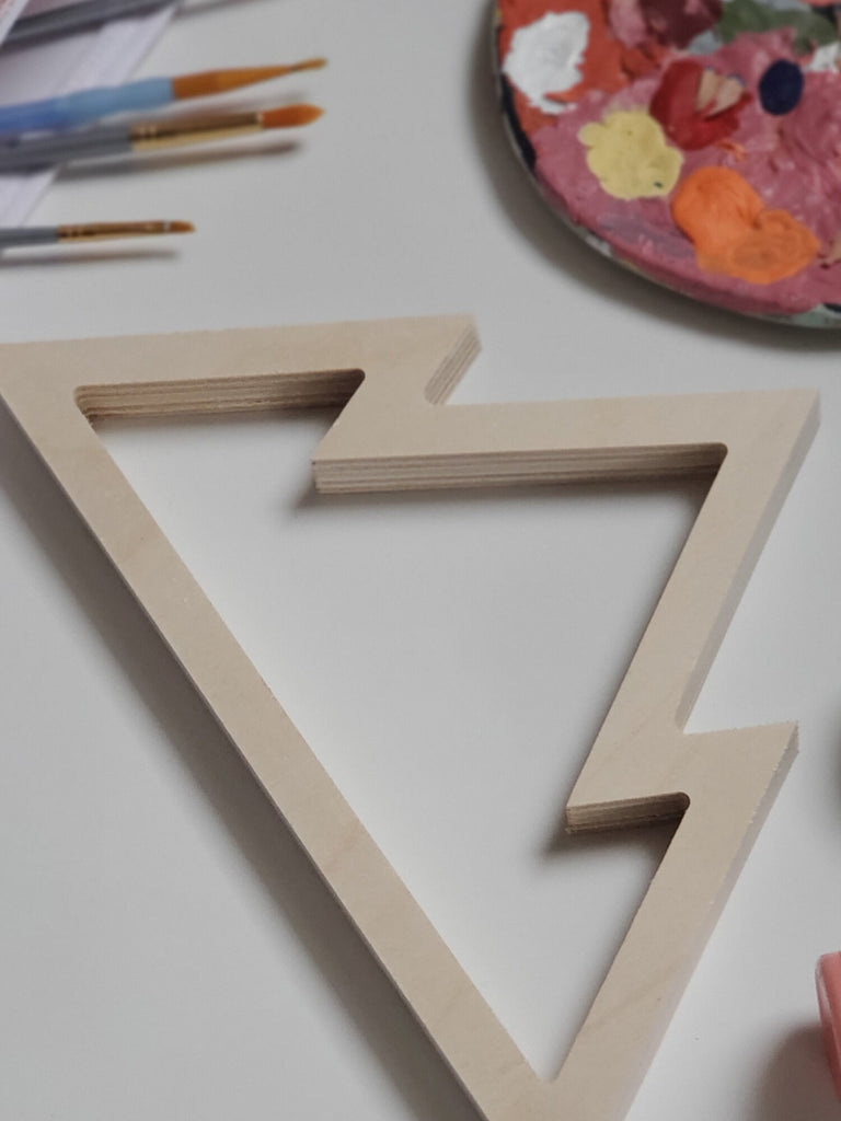 Wooden Mountain Silhouette (blonde wood)
