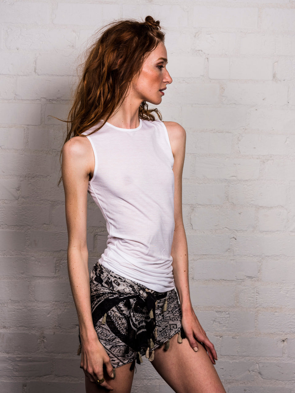 Sleeveless Crew Neck Shirt - Illuminated White