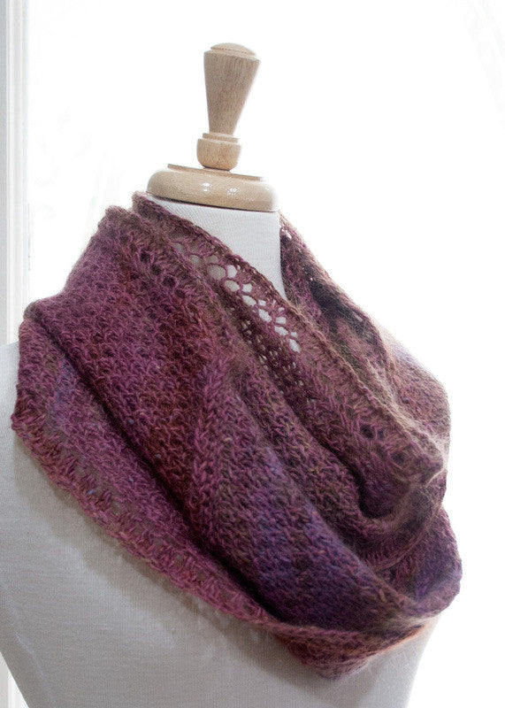 A Biased Rose Cowl Pattern