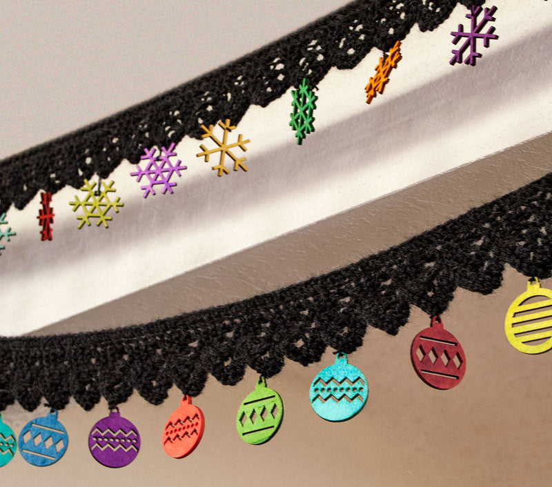 Free Holiday Garlands Pattern