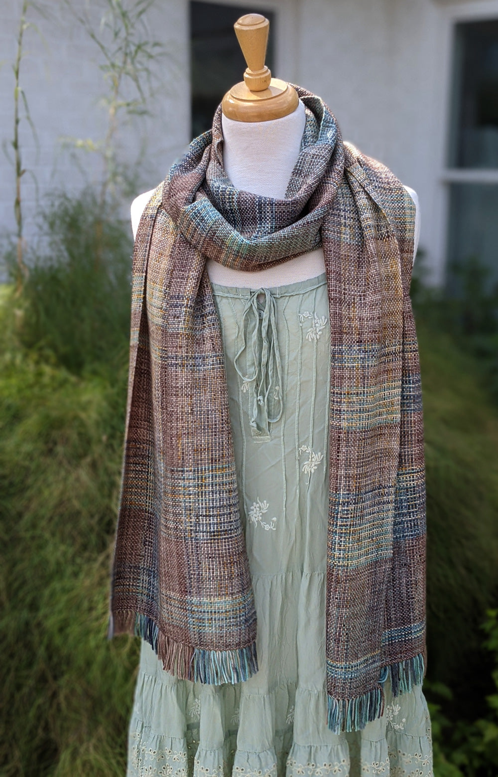 A Walk with Buddy Free Woven Scarf Pattern