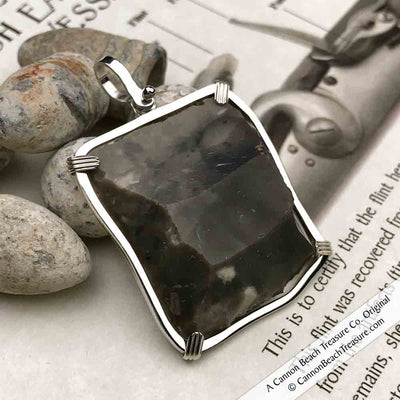 Gray-Black Queen Shipwreck 1790s British East India Company Brown Bess Musket Flint Pendant
