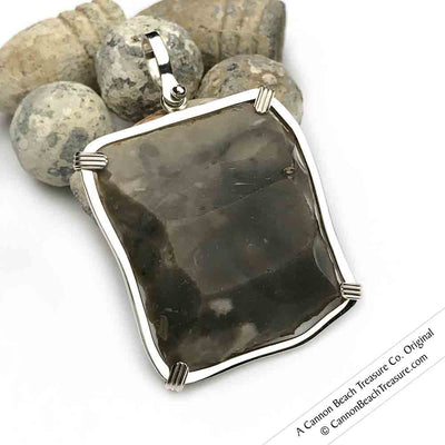 Gray-Black Queen Shipwreck 1790s British East India Company Brown Bess Musket Flint Pendant | Artifact #3443