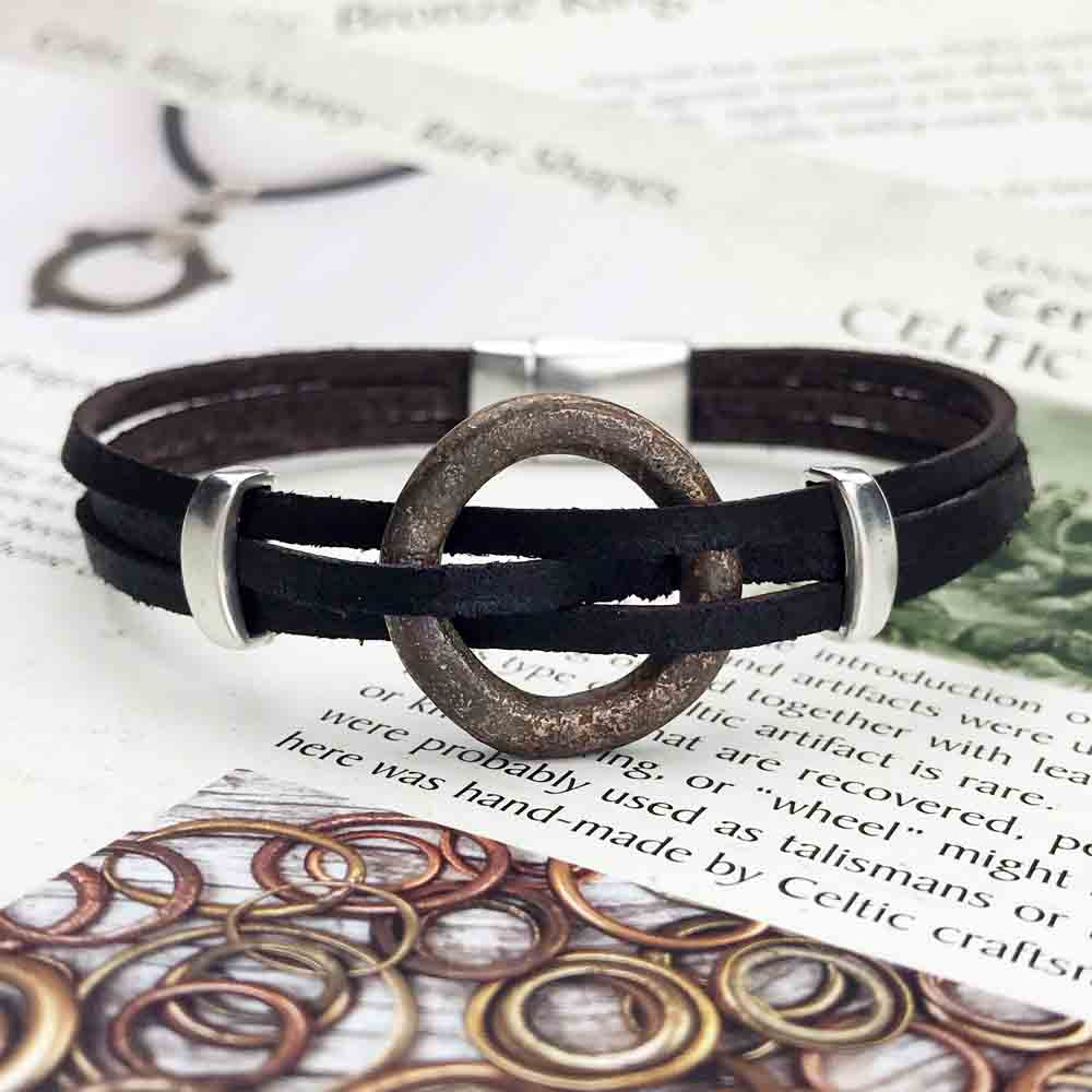 "Celtic Ring Money 8 1/2"" Bracelet in Black Leather & Silver"