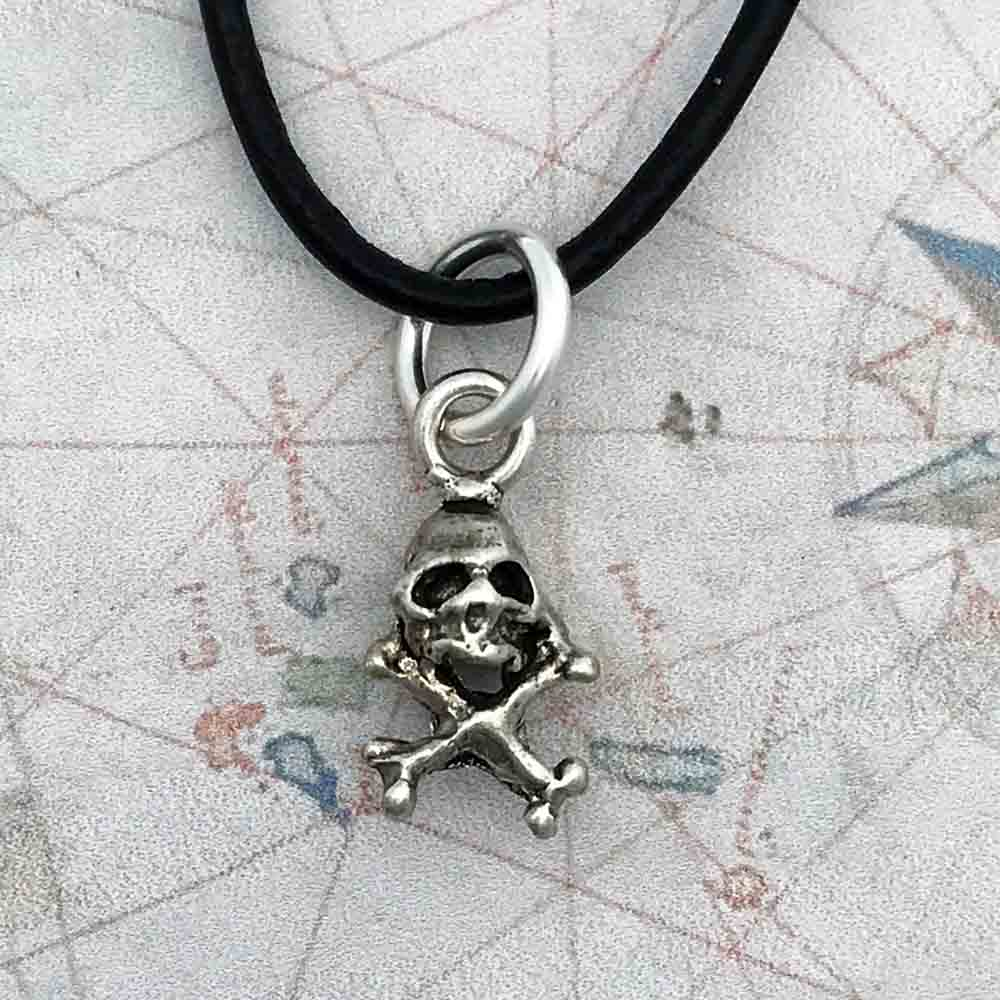 Pirates of the Caribbean Skull & Crossbones Pendant in Shipwreck Silver
