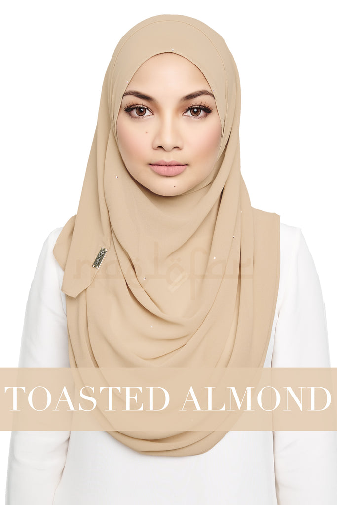 FANTASY - TOASTED ALMOND