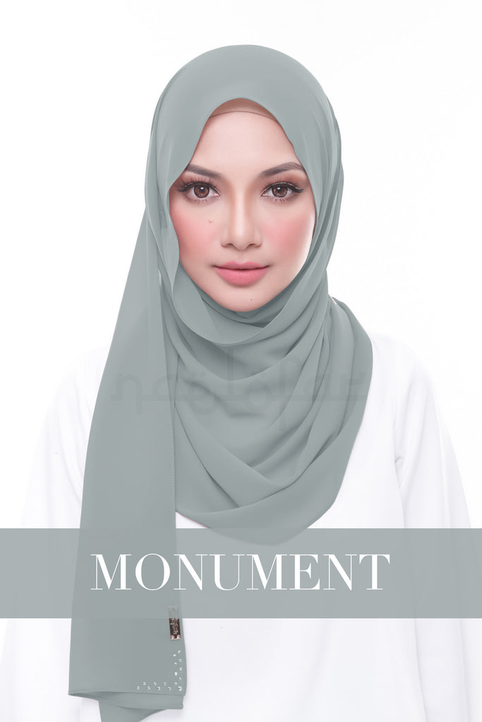 MISS LOFA PLAIN - MONUMENT