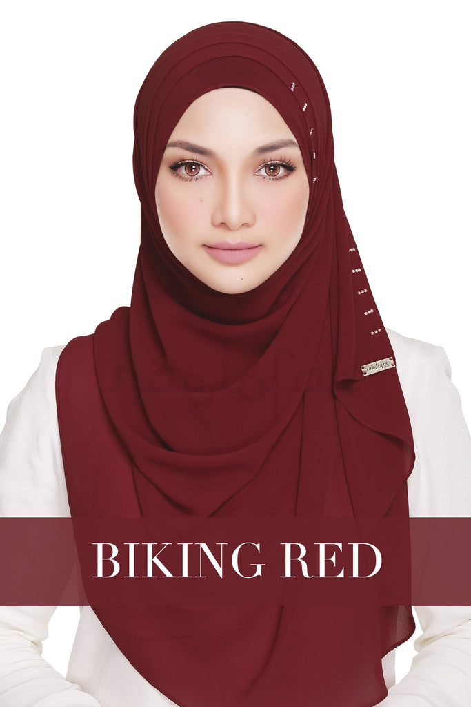 QUEEN WARDA - BIKING RED