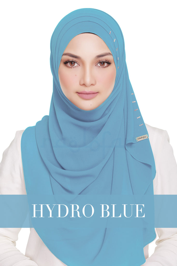 QUEEN WARDA - HYDRO BLUE