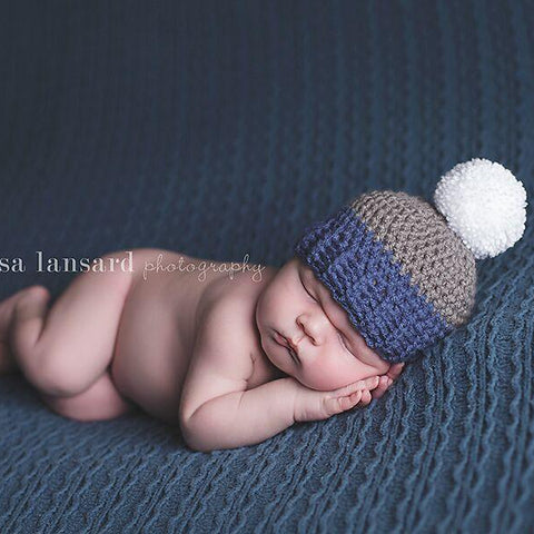 'Jaxon' Pom Pom Baby Hat // Blue, Grey + White