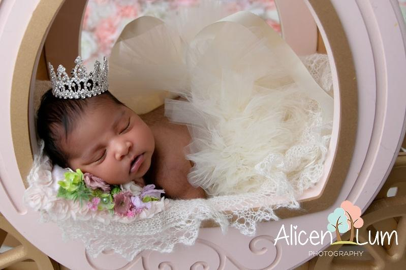 Rhinestone Mini Crown // Princess Aisha - White-Mini Crowns-UniqueKidz
